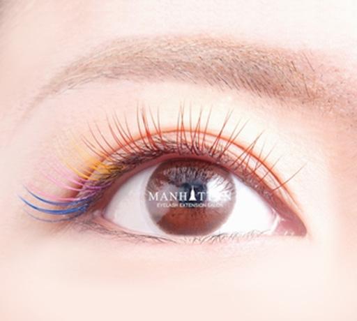 カラーエクステ 目尻にポイントや、目の色や形、肌やヘアカラーに合わせるなど様々なご要望にお応えします